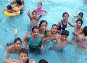 English Summer Camp Swim Party, 2009